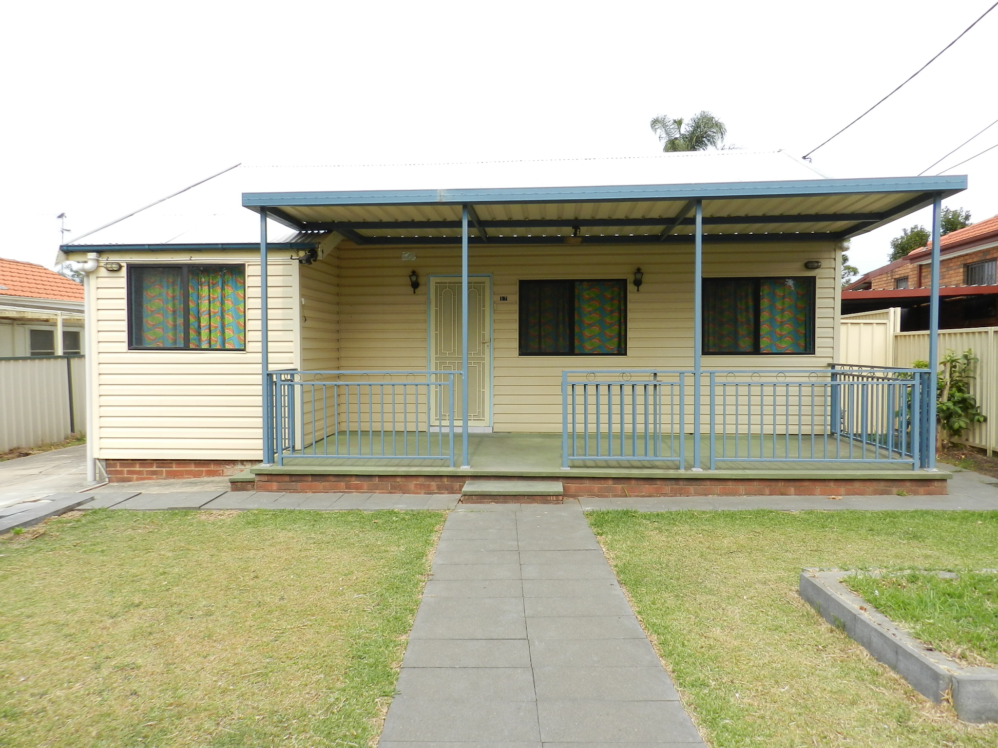 17 Fifth Avenue, CANLEY VALE NSW 2166-1